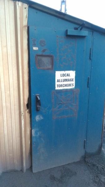 Remplacement de porte acier de service en milieu industriel