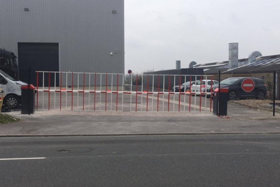 barrière levante BL40  AUTOMATIC SYSTEMS sur site de transports
