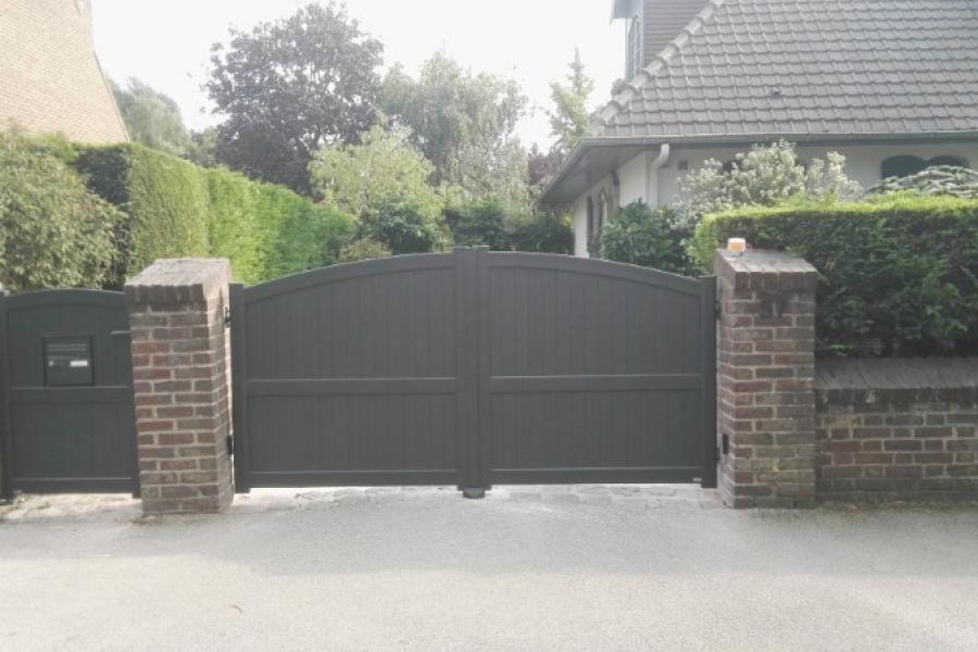 porte sectionnelle et portails  automatique , portillons aluminium ,DUNKERQUE
